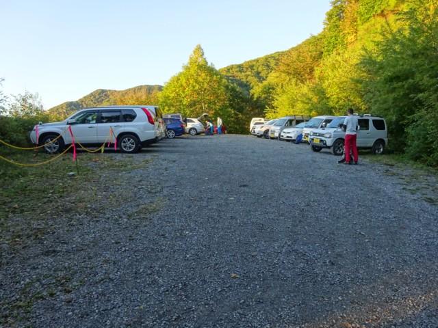 10月3日 林道終点の駐車場