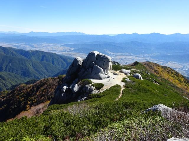10月3日 駒石.の後ろには八ヶ岳.