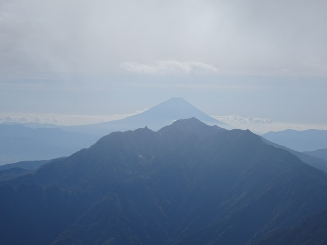 10月4日 鳳凰山なめの富士山