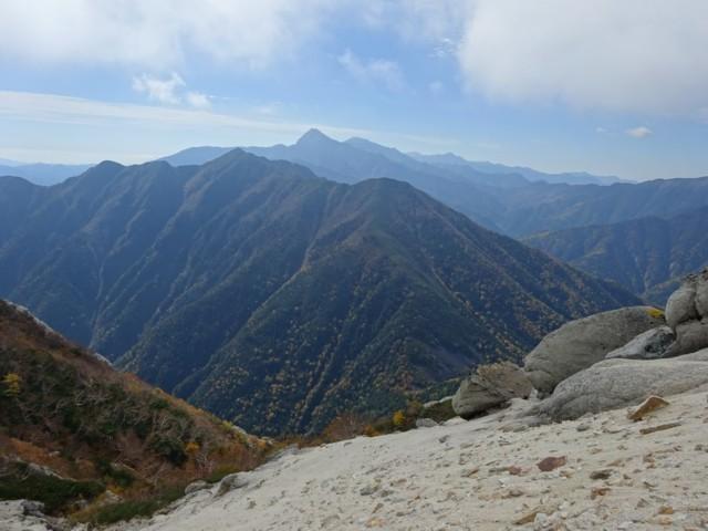 10月4日 アサヨ峰の奥には北岳,間ノ岳