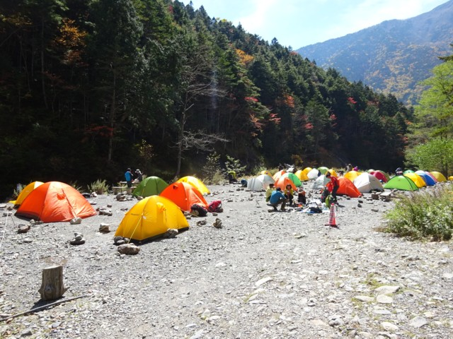 10月4日 北沢峠はすぐそこ.