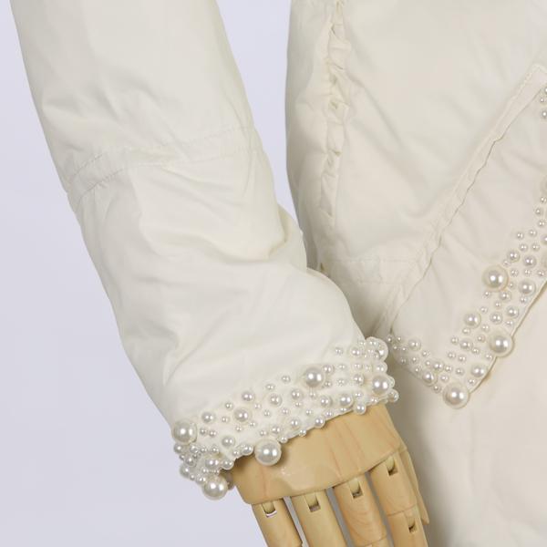 ツインセットのパール付きコート