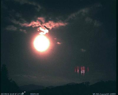 12042910_1729237573966003イタリア、スロベニア、クロアチア上空の月とレッドスプライト
