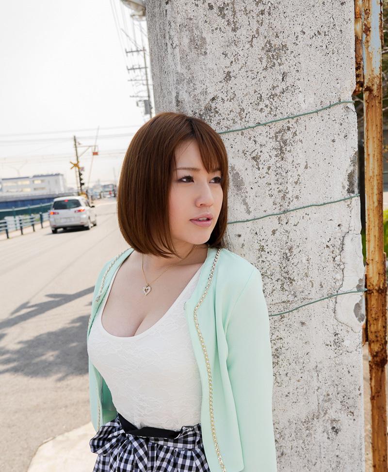 【No.24820】 谷間 / 本田莉子