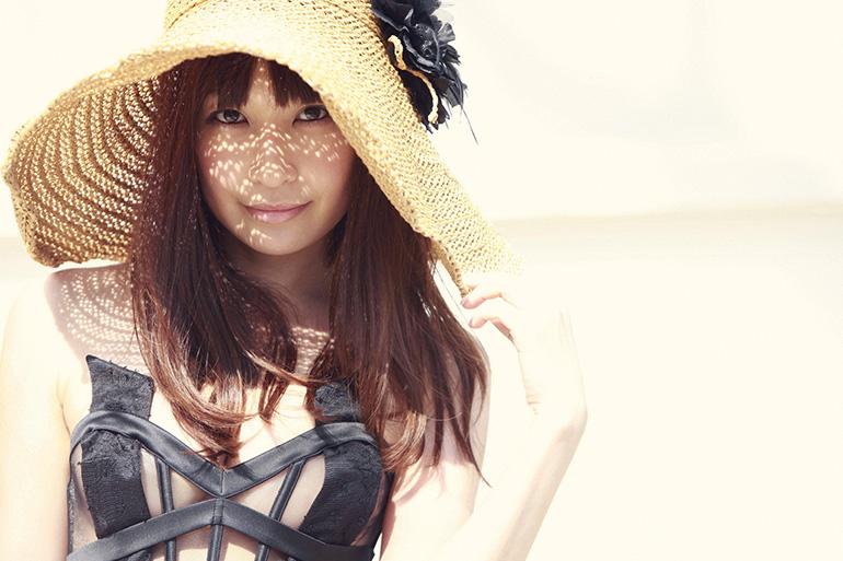 美麗グラビア × 小野真弓 真夏の綺麗なお姉さん。