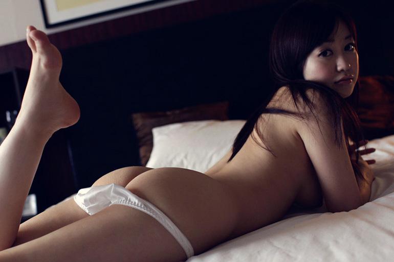 篠田ゆう 美尻お姉さんのハメ撮りセックス画像