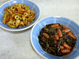 150821_3408竹輪と卵のカレー風味炒め・ウィンナーとピーマンの炒めものVGA
