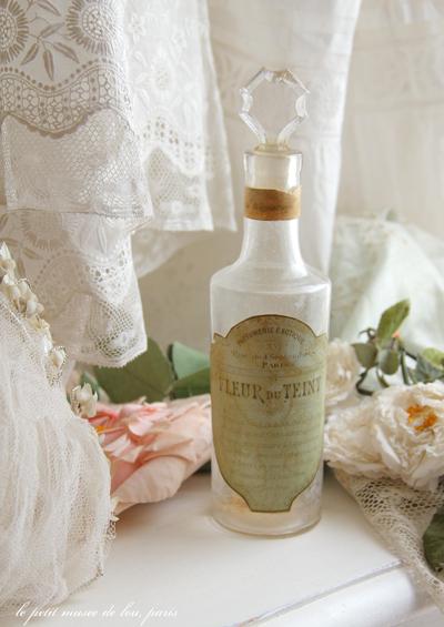 antique_bottle8296.jpg