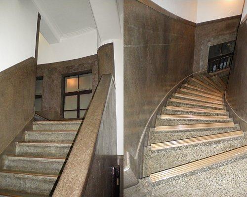 二本榎出張所・階段1