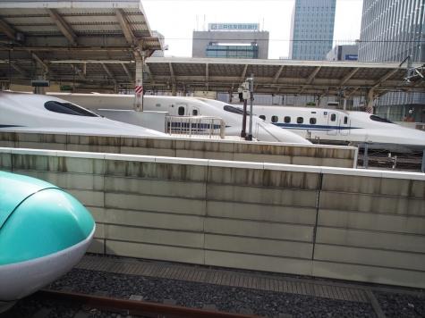 JR 東京駅にて