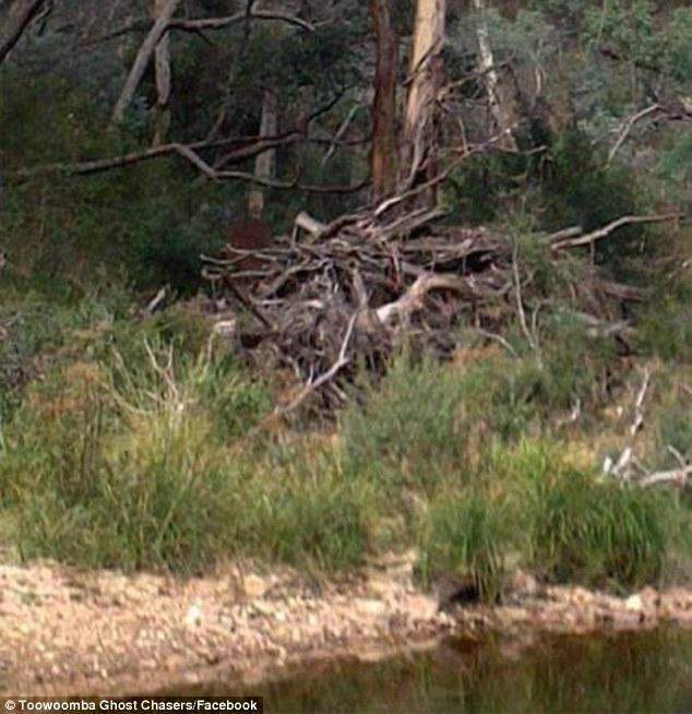 【閲覧注意】オーストラリアの有名な心霊スポットで写真を撮影…ヤバいものが写りこむ