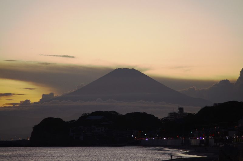 山梨県防災・有識者会議「突発的な富士山噴火に備えて、避難ルートやマップの整備などを...」