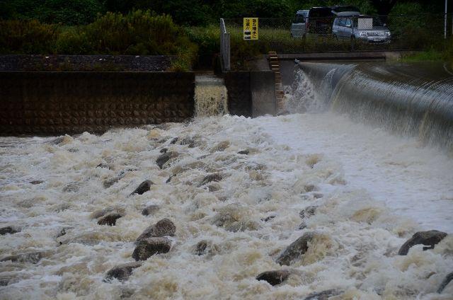 気象庁「高知・室戸付近などに記録的短時間大雨情報」を発表…1時間で120ミリの猛烈な雨