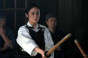 1510_女武芸者