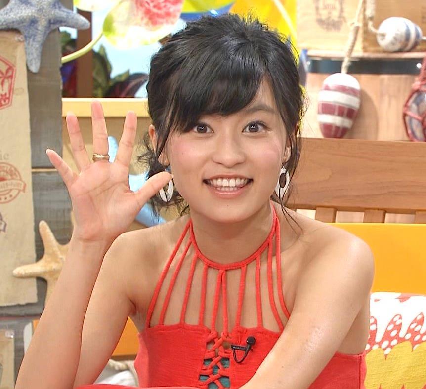 小島瑠璃子 露出の多い衣装、肌がきれい。キャプ画像(エロ・アイコラ画像)
