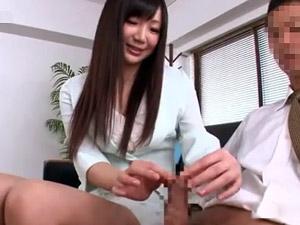 包茎チンポを支援する会社の痴女OLが包茎男子を手コキ面接!星川麻紀