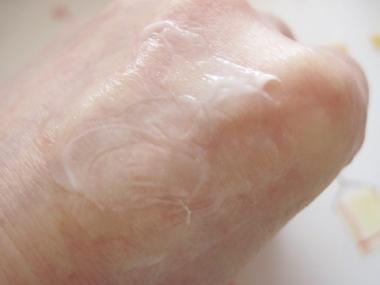進化型ドクターズコスメ!真皮幹細胞とGFで細胞再生、ピーンと弾むハリ【アンプルール ラグジュアリー・デ・エイジV】
