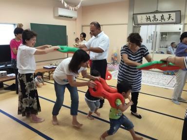 3B体操で親子が軽い運動を