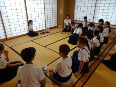 教室もお茶のたてかたなど進んできました。