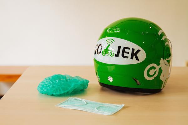 GoJek ヘアカバーとマスク1