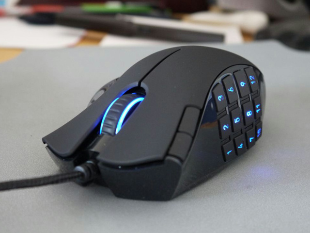 MMO_Gaming_Mouse_01.jpg