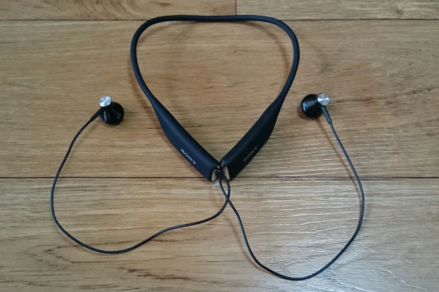 Neckband_Bluetooth_Earphones_07.jpg
