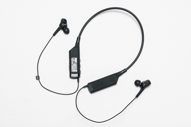 Neckband_Bluetooth_Earphones_13.jpg