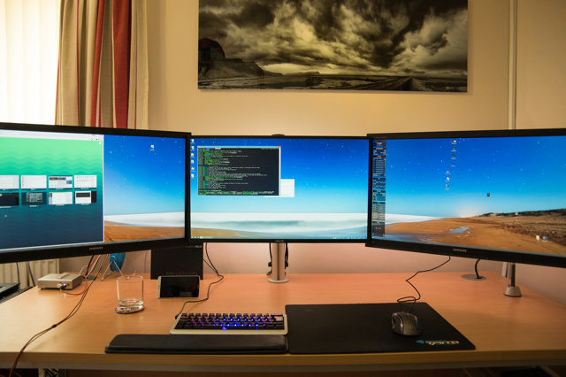 PCdesk_MultiDisplay53_51.jpg