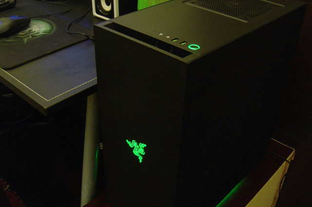 S340_Designed_by_Razer_15.jpg