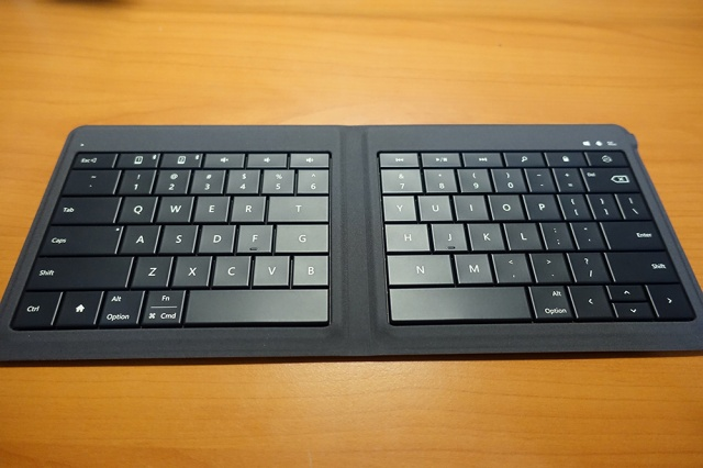 Universal_Foldable_Keyboard_06.jpg