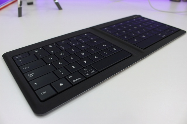 Universal_Foldable_Keyboard_10.jpg